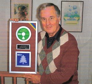 1999 sålde Lennart och Tibblegänget 80 000 exemplar av Dans kring granen och fick därmed en platinaskiva.