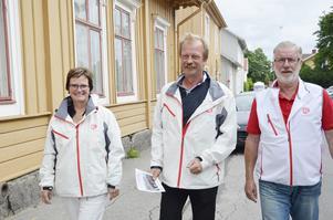Går till val. Siv Ahlstrand, Per Eriksson och Kurt Blomqvist presenterar Socialdemokraternas valprogram. Foto: Katarina Hanslep