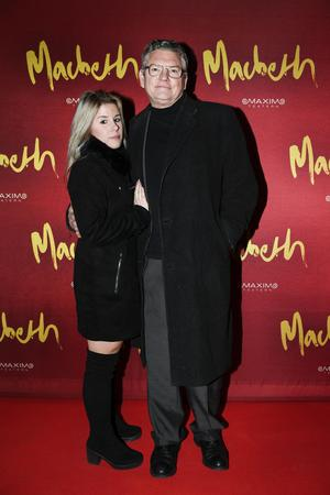 Emma Svedlund (numera Ekborg) och Dan Ekborg anländer till galapremiären för uppsättningen Macbeth på Maximteatern i Stockholm.