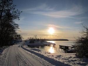 Här får ni en blek decembersol vid Östernäs på Rådmansö den 1 advent.