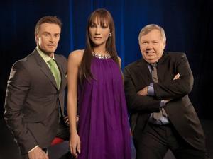 """Johan Pråmell, Charlotte Perelli och Bert Karlsson sitter i juryn för """"Talang 2009""""."""