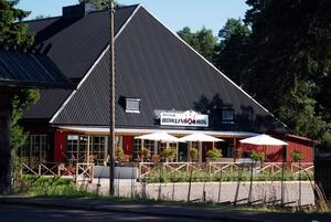 Ekonomisk framgång. Intresset för Rättviks bowlinghall har varit stort. Efter ett års verksamhet vill ägarna bygga ut med en stor nöjesdel.