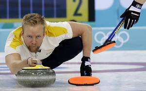 Niklas Edin, här vid förra säsongens OS i Sotji, har blivit uttagen till EM med sitt nya lag där Litstrion Oskar Eriksson, Kristian Lindström och Christoffer Sundgren har anslutit.