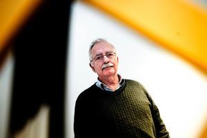 Lars Molin hänvisar till experternas utlåtanden.