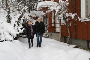 Berit Lindberg och Olavi Johansson byter Stockholmslivet mot Hassela. – Vi har även köpt en husbil vi ska luffa runt i när det är lågsäsong, och se oss om. Vi är nyfikna på allt häromkring.