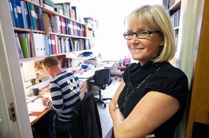 Gunilla Bergdahl har arbetat på Hälsinggårdsskolan i tjugo år. Hon ser att underhållet av skolans lokaler försämrats och efterlyser en ordentlig renovering.