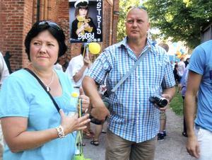 2012. 29 kilo mer Bittan och 25,5 kilo mer Anders Broström bestämde sig en eftermiddag i augusti och åkte in till ett Viktväktarmöte.