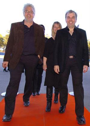 Sören Byström och Peter Wiklund, med fruar, gick in på röda mattan och ut som vinnare.