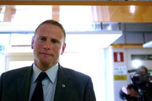 —Detta är en oerhörd familjetragedi som i dagsläget står utan förklaring, säger 81-åringens försvarsadvokat Ulf Karström.