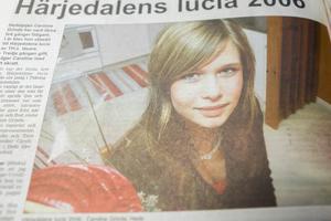 2006 var det Caroline Grinde i Hede som blev Härjedalens lucia. Det var tredje gången gillt, två år tidigare hade hon varit tärna i luciaarrangemanget.