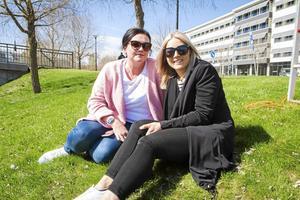 Helene Frank, 40, fastighetsförvaltare, Matfors och Victoria Hessel, 27, fastighetsadministratör, Sundsvall.   – Det beror kanske lite på hur gammal man är. Men det bästa är nog att träffas live, det behöver inte vara på krogen, man kanske kan träffas via ett gemensamt intresse eller gå någon kurs.