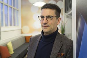 Magnus Hemmingsson menar att Mälarenergi är mån om att hålla priserna nere, men han kan samtidigt förstå att folk tycker att bolaget ska kunna sänka priserna när vinsten för 2016 låg på 273,3 miljoner kronor.