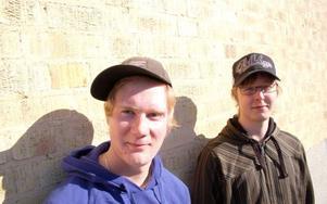 Anton Boberg och Niklas Lestander är två ungdomar som har svårt att hitta jobb i Strömsund. Foto: Jonas Ottosson