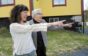 Krongårdens nuvarande ägare Monika Erikhans och Britta Lundberg fanns genast mycket gemensamt att tala om.
