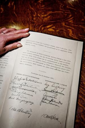 Förpliktigar. Saltsjöbadsavtalet lade grunden för den svenska modellen, som bygger på att alla får vara och att många är fackmedlemmar.foto: scanpix