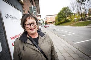 Så länge det finns kontanter så ska bankerna hantera dem, menar Ann-Marie Persson.