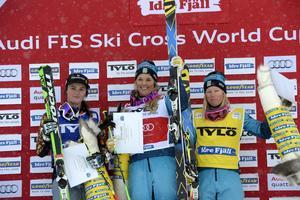 Dubbelt svenskt på podiet på Idre Fjäll. Anna Holmlund premiärvinner första världscuptävlingen på Idre Fjäll före Marielle Thompson, Kanada och trean Sandra Näslund.