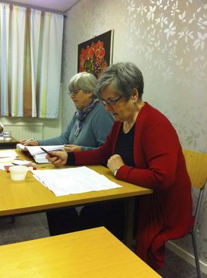 Karin Forsman och Christina Strömberg som ledde årsmötet.
