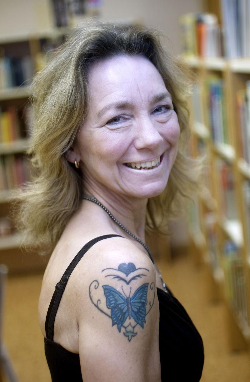 Tatuerar sig for klimatets skull