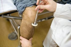 Bara om benet är av får en asylsökande vård. Foto:BertilEricson / SCANPIX