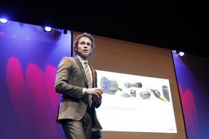 """Vill bli mer flexibla. """"Vi behöver flytta mer från fasta till rörliga kostnader. En partner kan kanske vara mer flexibel än vad vi kan vara"""", sa Jonas Gustavsson, chef för Sandvik Materials Technology (SMT) vid seminariet om """"intelligent outsourcing""""."""