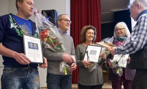 De nominerade till Årets sonfjällsbygdare 2016: Stefan och Kurt Dahl från Dahls däck, Stina Hedengran från  Fjällhälsan, som tar emot första priset av Lars Bygdén, och Birgitta Westergren.