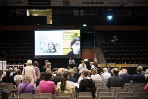 Många hade tagit plats när föreläsaren, läraren och författaren Katja Hvenmark-Nilsson talade.
