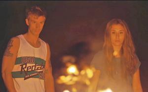 Filip Berg (Isak) och Madeleine Martin (Em).