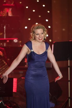 Stephanie Lippert, som är uppvuxen i Norrtälje, gav stjärnglans åt konserten med musik ur My Fair Lady och verk av Dvorák och Léhar.