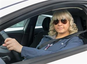 Saara Tarvainen ser ofta tillbud och olyckor vid Nordanbymotet. Hennes råd är att ta ned farten i god tid före rondellen.