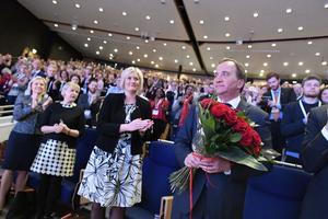 Statsminister Stefan Löfven (S) får applåder av ombuden på S-kongressen. Men gles- och landsbygden har knappast skäl att jubla.