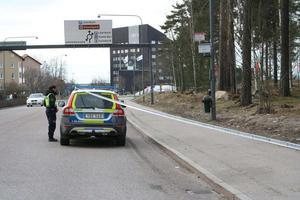 Ett område spärrades längs Dalavägen på lördagen.