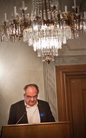 Anders Röhfors (M) menar att han har rent mjöl i påsen.