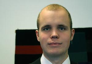 Filip Djupenström har enligt uppgift uteslutits ur Sverigedemokraterna.