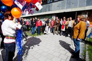 Kommunalrådet AnnSofie Andersson, till höger, invigningstalade när Navigationscentrum i Östersund flyttade in i nya, fräscha lokaler.Foto: Ulrika Andersson