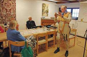 Med stor inlevelse berättade Egon Regefalk om de plan han flugit som pilot i flygvapnet.