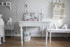 Tanken är att möblera varje rum med en speciell stil.