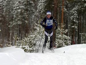Jon Westerlund, Sonfjällsskolan, jobbade så att snön yrde i backarna.