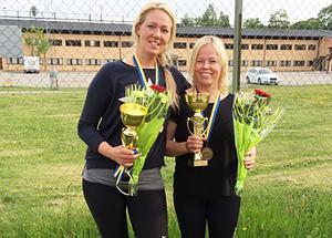Anna Wiberg och Annica Karvonen, snabba bronsdamer från Hudiksvalls MCK.