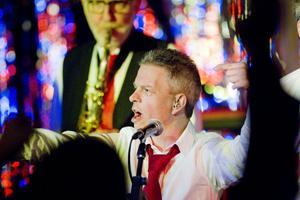 Micke Dahlöv älskar att stå på scen när Tuckers spelar.Foto: Jenny Lundberg