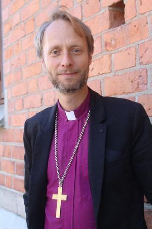 Kyrkan kämpar för att Mohammad ska få stanna. Migrationsverket och politikerna vill utvisa.