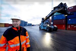 """Bengt Johansson, styrelseordförande i Gävle Containerterminal, agerar för tillfället även vd. """"Eftersom att terminalen är ute till försäljning har det inte tillsats någon"""", säger han."""
