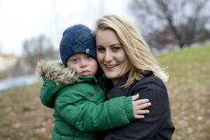 När Emily Kind väntade Julian, snart 5 år, ville hon ta ett KUB-test, i dag är hon negativ till dem.