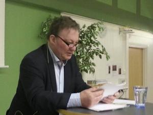 Claes Borgström föreläser om maktstrukturer, konst och demokrati.