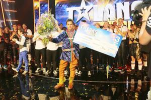 Av tio finalister kan bara en vinna. Och den här gången blev det Jon Henrik Fjällgren från Mittådalen.