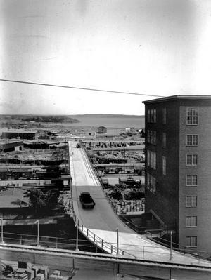 Bro till Mälaren. Så här vacker var Aseas nya truckbro sommaren 1948.