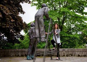 – I framtiden ska även kvinnor kunna klättra upp på högsta nivå, säger Bodil Hansson (S)