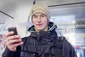 Mattis Rönnestrand, 22, Forsa:– Jag ringer bara mobilnummer, så det blir inte så stor skillnad för mig.
