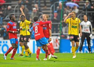 Nyblivna svenska mästarna Helsingborg får åka till Örebro för att göra upp om en finalplats i svenska cupen.