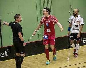 Granlospelarna luftade sin irritation mot domarna efter förlustmatchen mot FC Helsingborg.